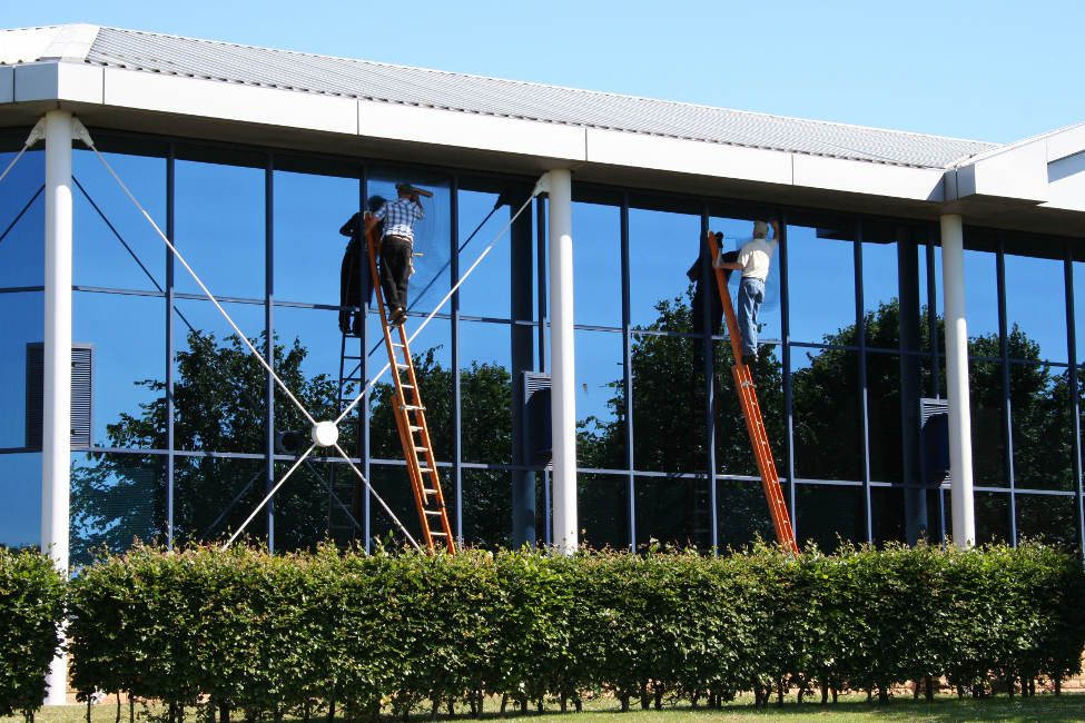 External & Internal window washing services Melbourne.